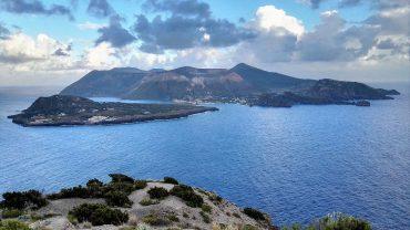 Le Isole Eolie viste dal Gran Cratere, Isola di Vulcano