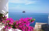 Vista-di-Strombolicchio-Isole-Eolie