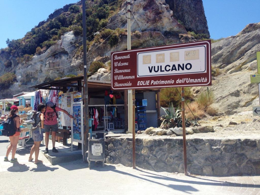 3° Giorno: Tour in bus di Vulcano